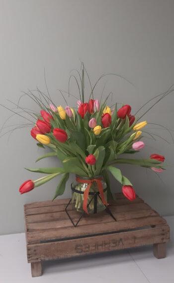 Deluxe Tulip Vase
