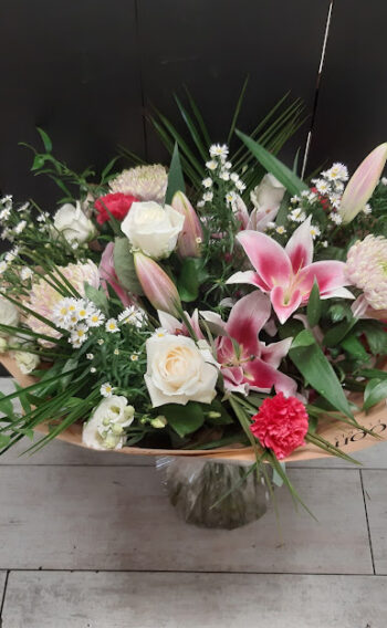 Luxury Lilies and Roses